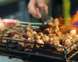 Try BBQ Catering to Bring a Change in Your Conventional Party